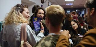 Adolescenti la Teatrul Excelsior