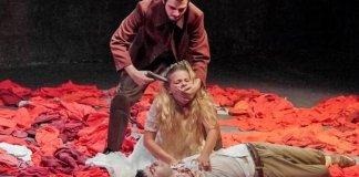 """Imagine din spectacolul """"Asasinat"""" de Hanoch Levin, Cercul de teatru de la Universitatea din Tel Aviv"""