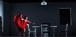 """Imagine din spectacolul """"Mama"""" de Florian Zeller, Teatrul Ghesher din Tel Aviv"""