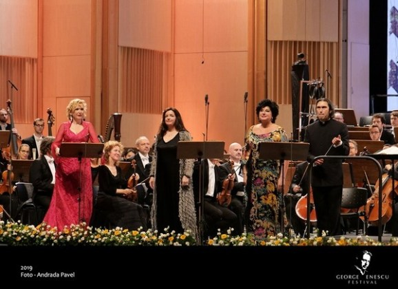 Fotografii din concert de Andrada Pavel