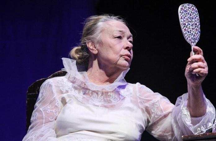 """Anda Caropol în """"Repetiția vieții mele"""". Sursa Teatrul """"Nottara"""""""