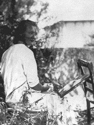 Charlotte Salomon pictând în grădina, cca 1939