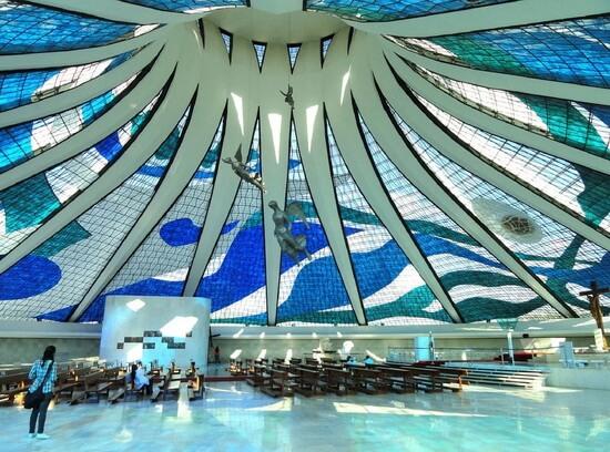 Catedrala din Brasília, interior
