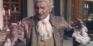 "Radu Beligan (Antonio Salieri) în ""Amadeus"". Sursa foto: TVR"