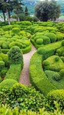 Le jardins de Marqueyssac. Formklippta häckar och böljande former.