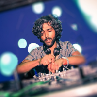 Aroop Roy – Le Visiteur Featured Artist and Mixtape 083