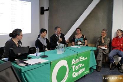 Marie-Michelle Poisson (Refusons les compteurs), Dr Ying Li, Dr Paul Héroux, Jocelyne Breton (Lévis Refuse), Richard Legault, Luc Forbeaux (Stoneham Refuse)