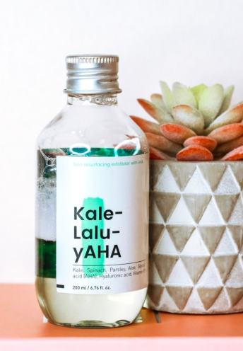 KraveBeauty Kale-Lalu-yAHA is gentle AHA glycolic acid toner. Its perfect for acid beginners and people looking to reduce acne and brighten skin tone