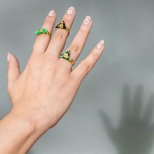 L.E.D.L.A. rings I Look-Le Voilà