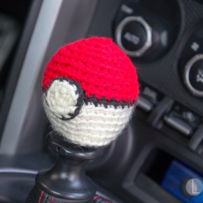 This Pokéball shift knob cover will make me the coolest kid at the car meet