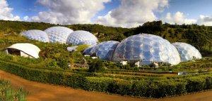 Геодезические купола Eden Project в Соединенном Королевстве