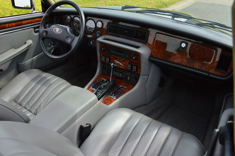 Jaguar XJ Series III V12 Lex Classics