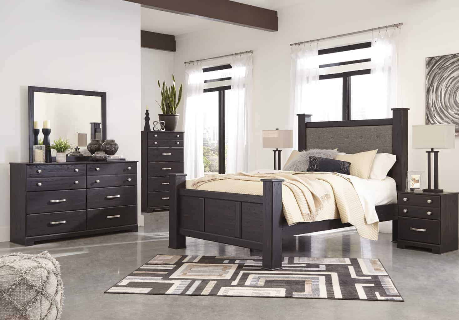 reylow dark brown queen poster bedroom set