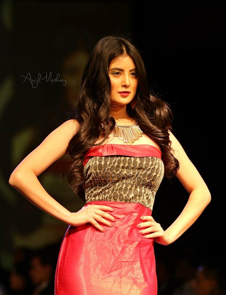 MISS INTERNATIONAL 2017   25 October-14 November Niti-Shah-TGIF-Nepal-Fashion-Week-2014-.1jpg