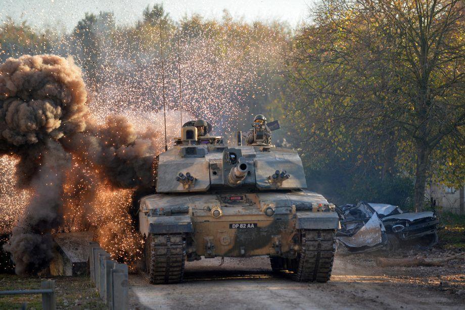 Predikojnë Liri Por I Shesin Armë Diktatorëve, Britania I Shiti Miliarda Paund Armë 39 Shteteve Në Listën E Kuqe