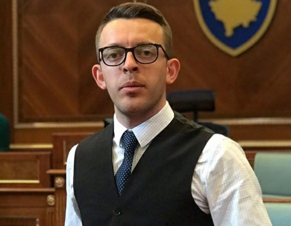 Future Albanian Leader : Mandrit Kamolli, Hulumtues Dhe Këshilltar Ligjor Për Çështjet Zgjedhore!