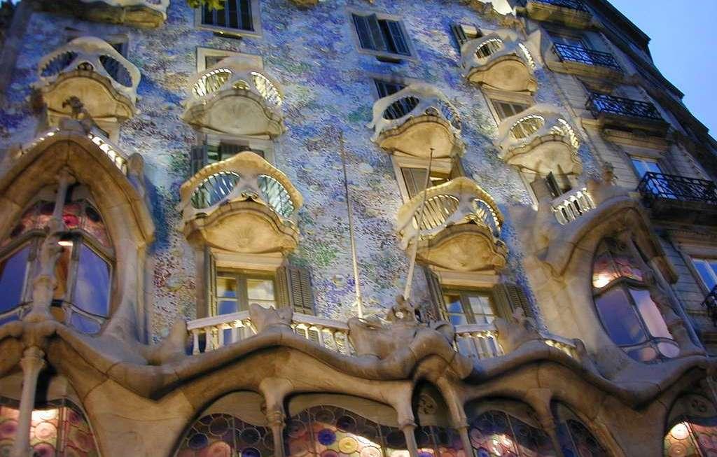 Mrekullia Arkitekturore E Casa Batlló Në Barcelonë