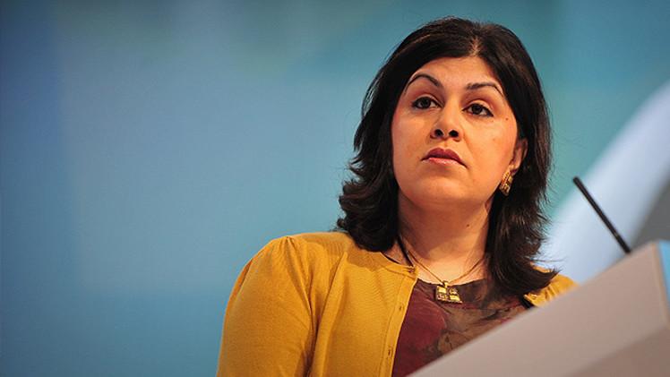 استقالة وزيرة بريطانية مسلمة احتجاجا على موقف بريطانيا من غزة