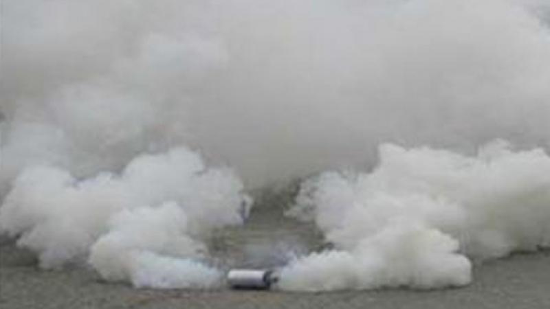 غاز مسيل للدموع لتفريق الطلبة المحتجين