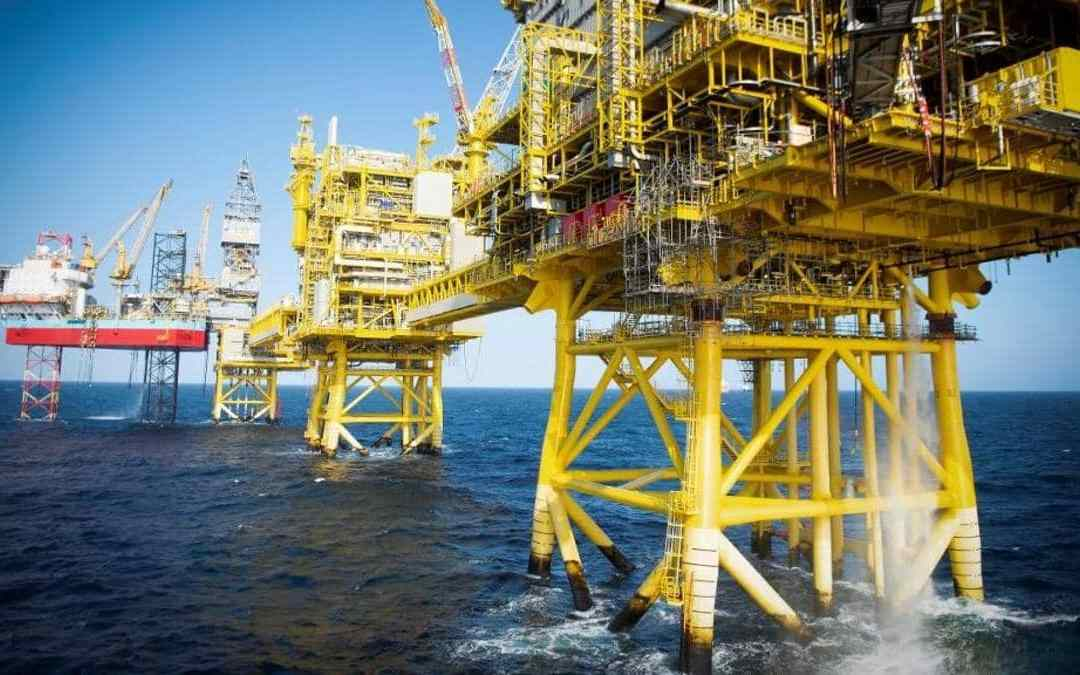 بسبب انتعاش الطلب بعد كورونا.. أسعار النفط ترتفع