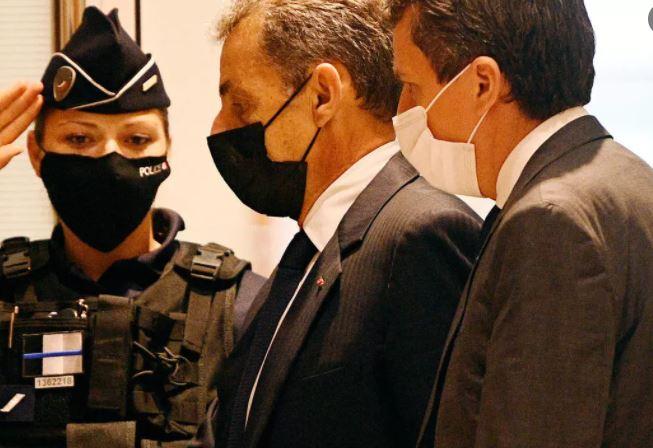 فرنسا: الادعاء يطلب سجن ساركوزي ستة أشهر نافذة في قضية تبديد الأموال خلال حملته الرئاسية عام 2012