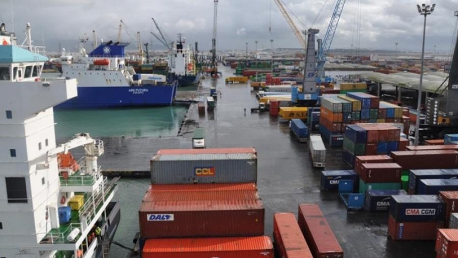 أحد أكبر النّاقلين البحريين دوليا يعلّق نشاطه في ميناء رادس