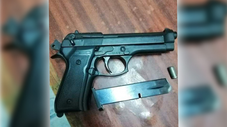 قفصة: حجز مسدس بحوزة مقيم بالخارج