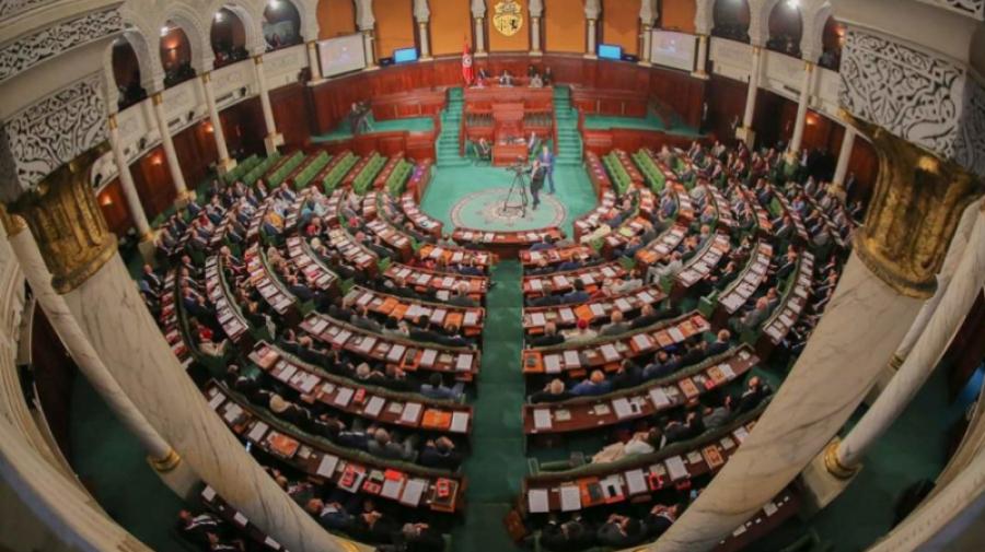 """نوابٌ يُطالبون بإعادة """"الحياة الديمقراطية"""""""