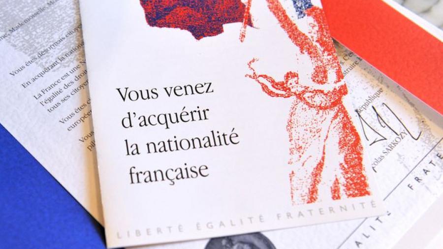 فرنسا تمنح الجنسية لـ12 ألف شخص كانوا في الصف الأمامي لمكافحة كورونا