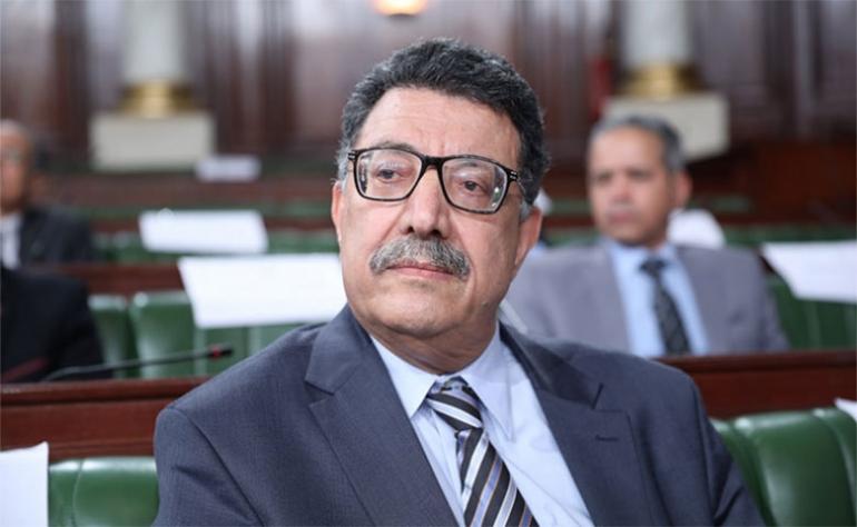 عميد المُحامين يرفض محاكمة المدنيين عسكريا