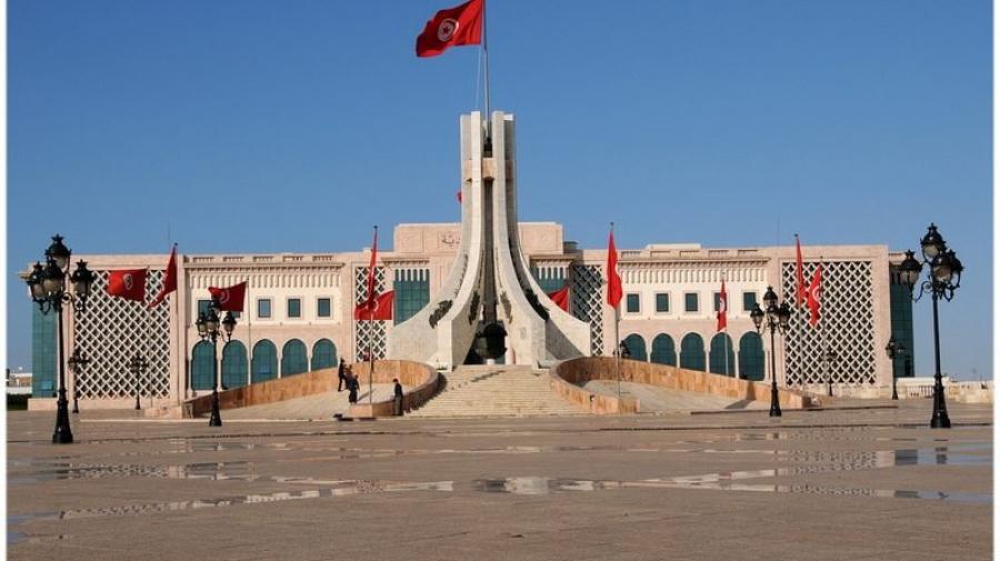حديدان: تونس تحتاج دبلوماسية عالية المستوى للحصول على تمويلات