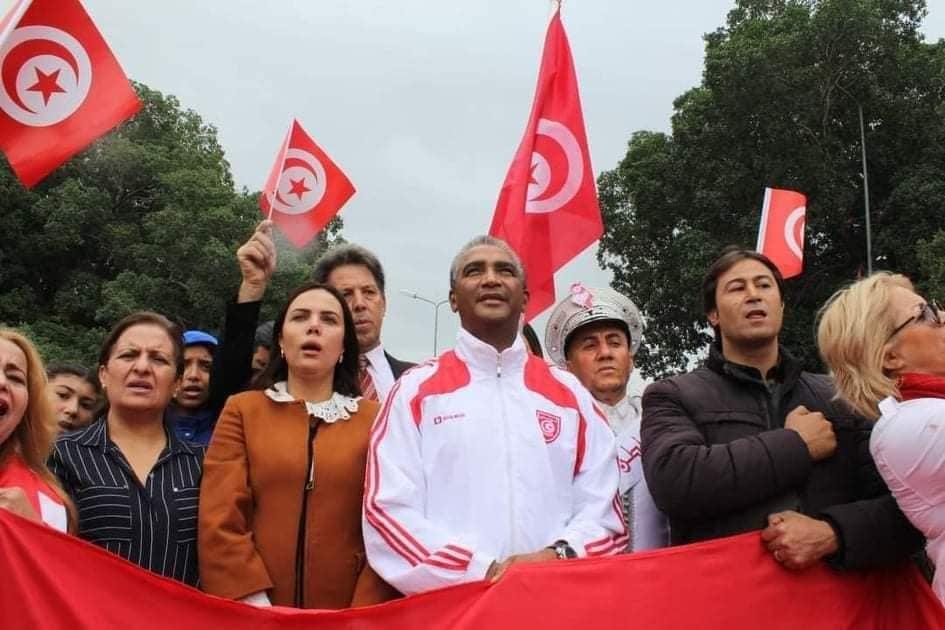 وزير الشباب والرياضة يشرف على إحياء تظاهرة الإحتفال بالذكرى عدد 194 لإنشاء العلم التونسي