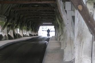 Houten brug naar Aarberg