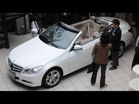 ベンツが4人乗りオープンカー発売