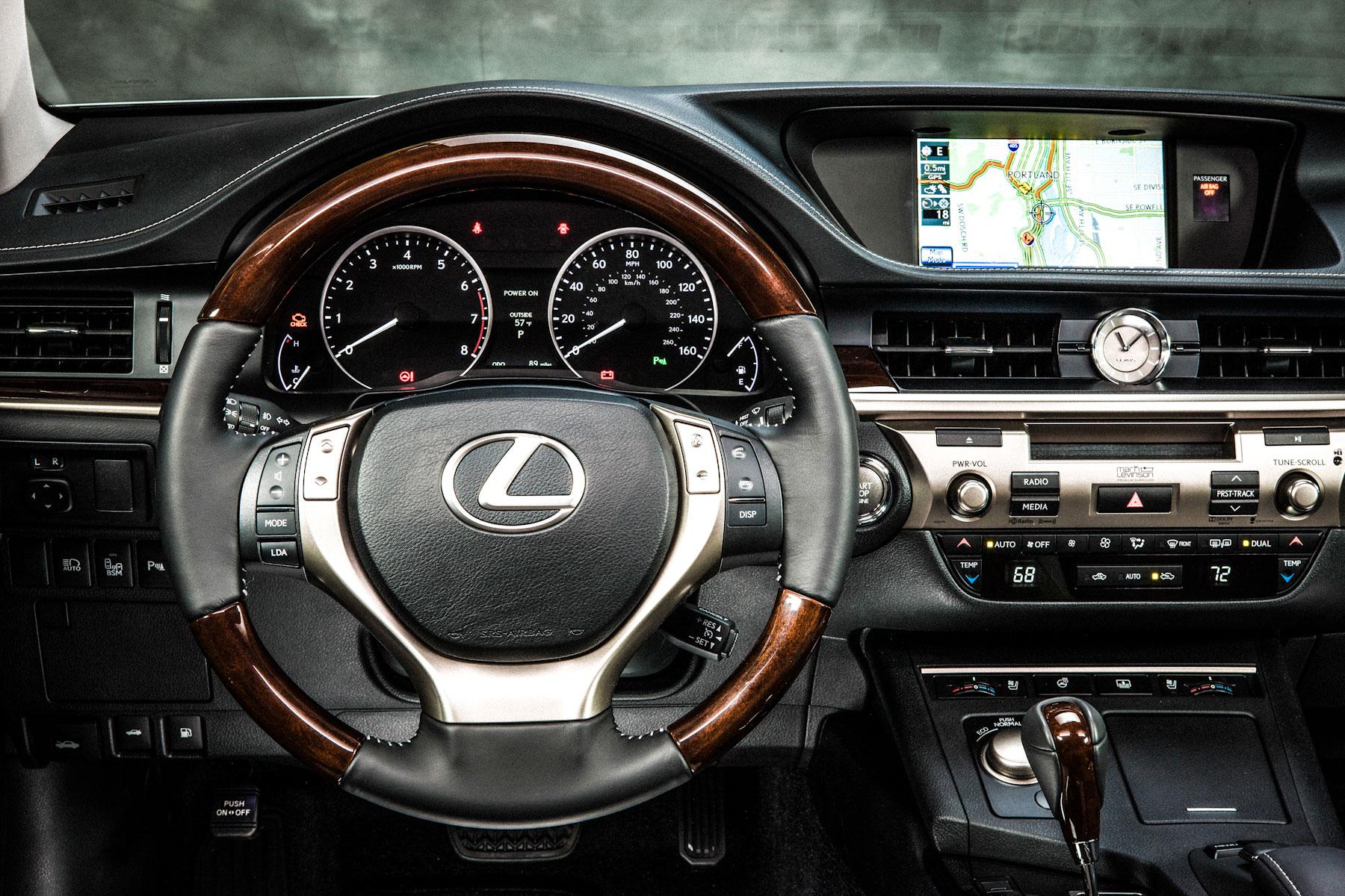 Driving the 2013 Lexus ES