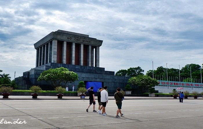 Ho Chi Minh Mausoleum: Paying Respects to Vietnam's Beloved 'Uncle Ho'