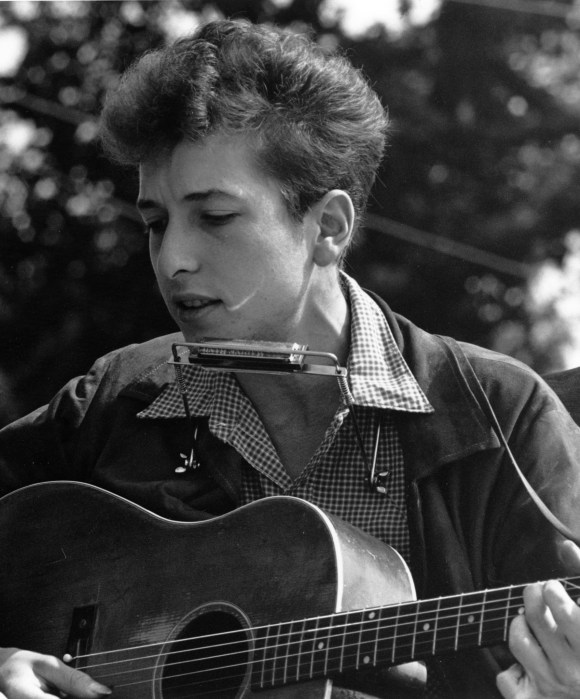 File:Joan Baez Bob Dylan crop.jpg - Wikimedia Commons
