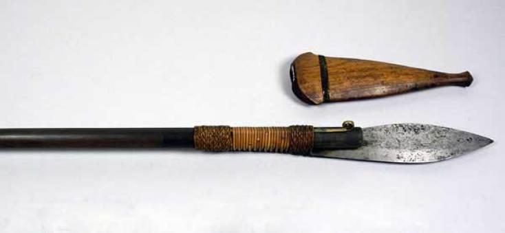 Tombak Senjata Tradisional Papua
