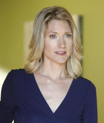 Vivian Adams - After Karen tries to help Vivian and her husband, Alec's relationship, the end up in a polyamorousrelationship.