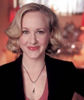 A picture of the character Sharon Tyler - Years: 2004