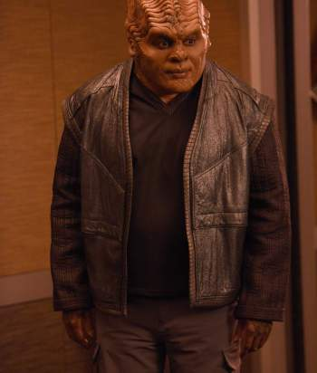 Klyden - Bortus' mate. It is revealed that he was born female and was surgically 'corrected' to be male, which he identifies as.