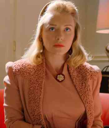 A picture of the character Lily Cartwright - Years: 2020