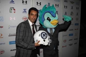 LFA---Juan-Carlos-Vazquez-y-Mascota-Muuk