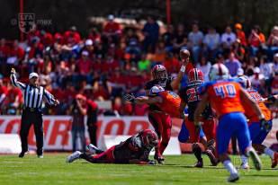 MEXICAS_at_ARTILLEROS83