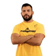 Adrián Flores