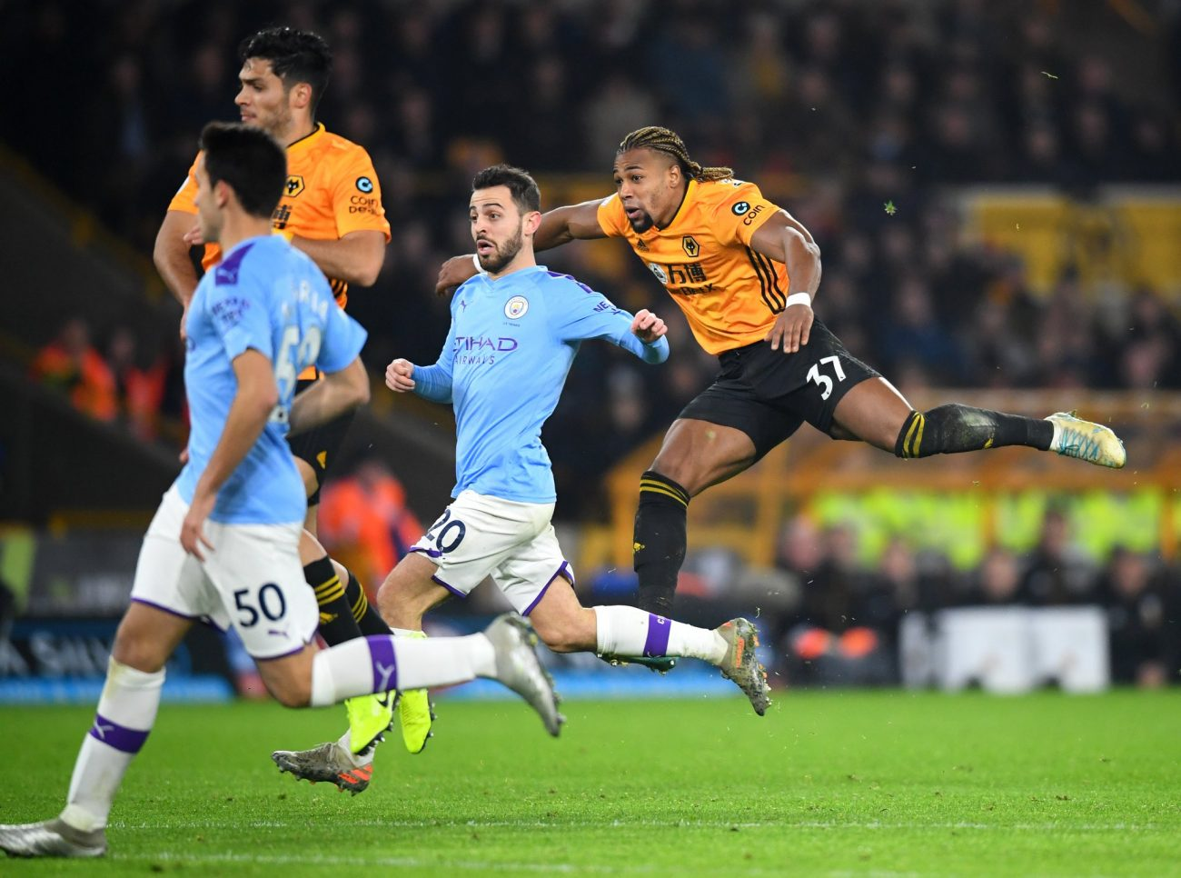 Wolves beat Man City to hand Liverpool the advantage before Anfield visit