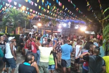 Noite de sexta-feira foi animada com muito forró em diversos bairros de Lauro de Freitas