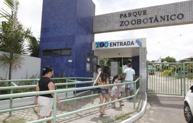 Zoológico é opção de lazer para visitantes no feriado do 2 de Julho