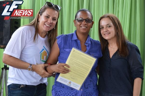 Lauro de Freitas: 145 famílias recebem escrituras em comunidade do Aracuí