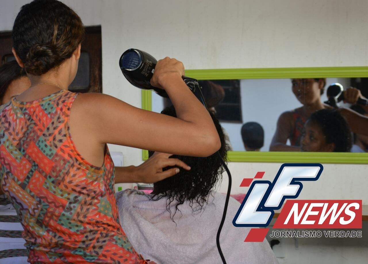 Laurofreitenses são beneficiados com curso de cabeleireiro